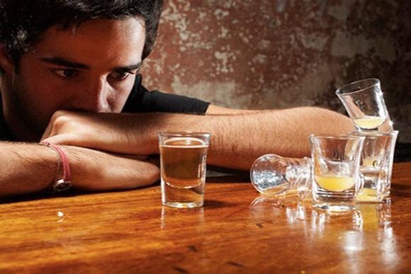 Đàn ông Nhật dần bỏ thói quen uống rượu để nâng cao uy tín