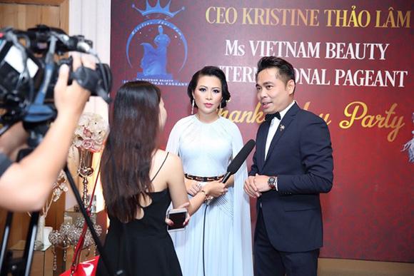 Huy Khiêm nhiếp ảnh gia hàng đầu hải ngoại về chúc mừng tiệc tri ân của Hoa hậu Kristine Thảo Lâm