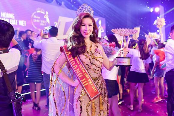 Á hoàng 3 cuộc thi Nữ Hoàng Doanh Nhân Đất Việt gọi tên thạc sỹ Đỗ ViVi