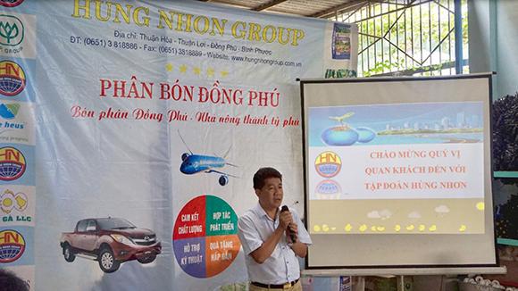 Nhân ngày doanh nhân Việt Nam nghĩ về cái cúi đầu của ông chủ trạm xăng người Nhật