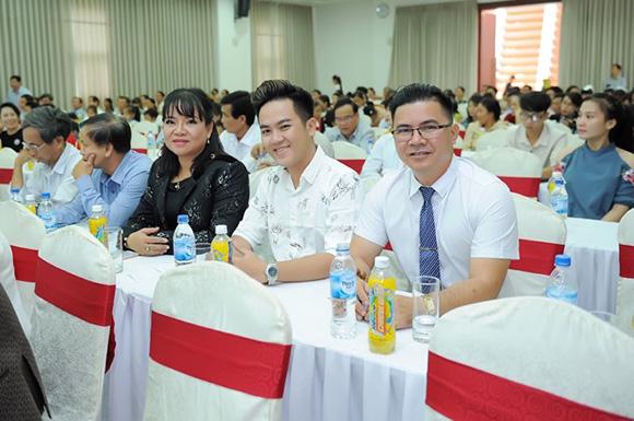 Á khôi Hồ Thanh Hương mang Hành trình kết nối yêu thương về đất Quảng
