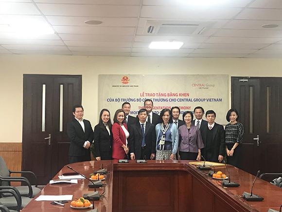 Bộ Công Thương trao tặng Bằng khen cho Tập đoàn Central Group Việt Nam