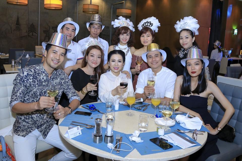 NTK Oanh Phan hội ngộ diễn viên Đoàn Thanh Tài, Kristine Thảo Lâm tại khách sạn sang trọng giữa Sài Gòn