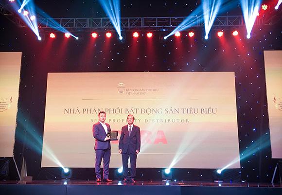 """DKRA Việt Nam xuất sắc đạt giải thưởng """"Nhà phân phối Bất động sản tiêu biểu năm 2017"""""""