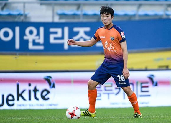 Thời trang Elise có hẹn cùng Đội trưởng U23 Việt Nam Lương Xuân Trường