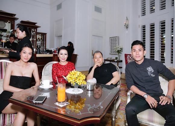 Diện váy đỏ ngọt ngào của Đỗ Mạnh Cường, CEO Kristine Thảo Lâm thu hút mọi ánh nhìn