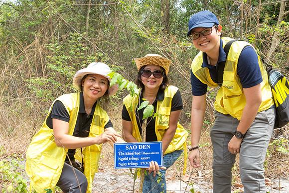 CapitaLand triển khai 'Giờ Trái Đất' với hơn 280 tòa nhà nhằm ủng hộ năm hành động vì khí hậu của Singapore