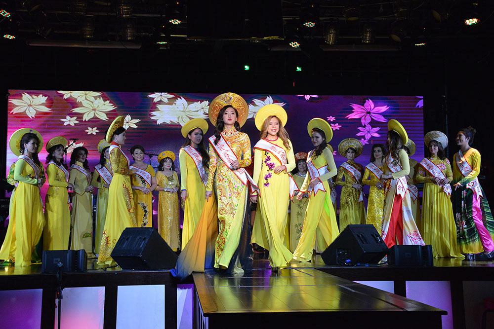 Đêm chung kết cuộc thi Miss & Mrs Viet International - Texas 2018 được cộng đồng người Việt toàn thế giới ca ngợi về sự thành công và quy mô tổ chức