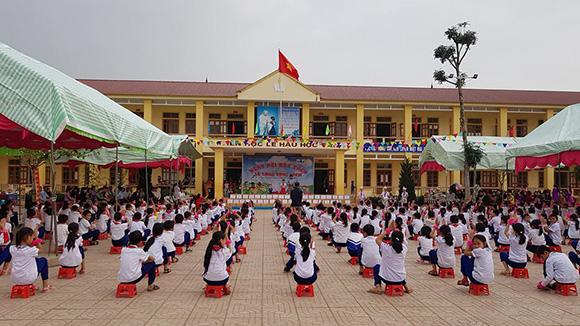 Tủ Sách Nhân Ái trao tặng 125 tủ sách về các trường học tại huyện Nam Đàn – Tỉnh Nghệ An