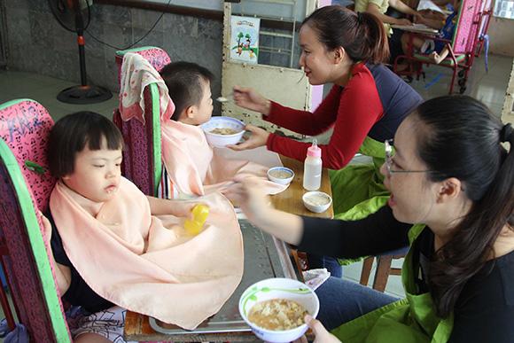 LOCK&LOCK kỉ niệm 10 năm có mặt tại Việt Nam bằng chương trình CSR đầy tính nhân văn