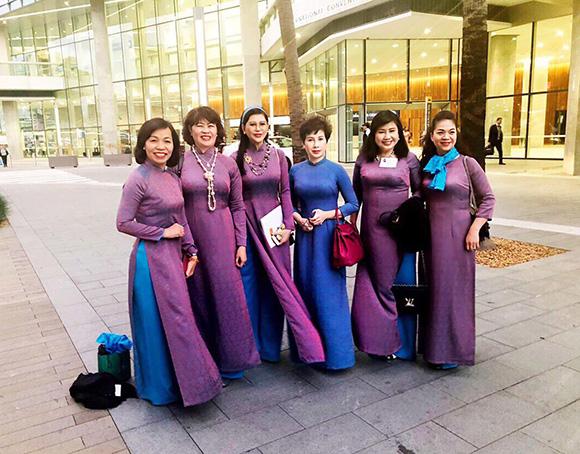 Doanh nhân Lê Hồng Thuỷ Tiên làm diễn giả gây ấn tượng với bạn bè quốc tế