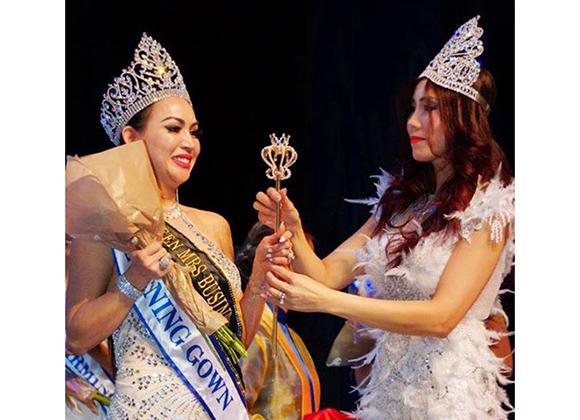 Dàn thí sinh quốc tế nể phục tài đào tạo catwalk của Hoa hậu Michelle Huynh.