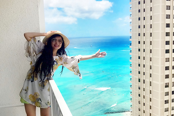 Diện Bikini cực chất, ca sĩ Kavie Trần gây sốt với đường cong cực đẹp