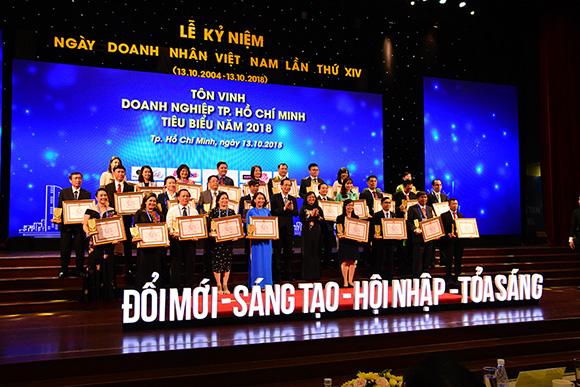 Khách sạn Rex Sài Gòn đạt danh hiệu doanh nghiệp tiêu biểu 2018