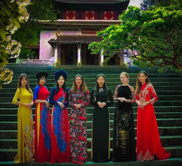 Sinh viên, học viên Khoa VIỆT NAM HỌC đón năm mới với nét đẹp thuần Việt