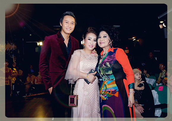 Hoa hậu Lee Lee Nguyễn thân mật bên bên người yêu của MC Thanh Bạch