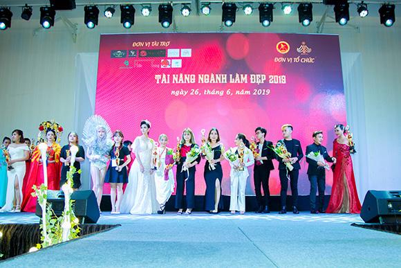 Tài năng ngành làm đẹp 2019 tổ chức thành công  Đêm Vinh Danh