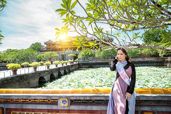 Minh Chánh tôn vinh Hoa hậu Phu nhân người Việt quốc tế