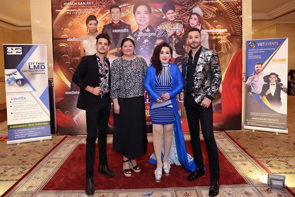 Hoa hậu Lee Lee Nguyễn hội ngộ hai ca sĩ đến từ Úc.