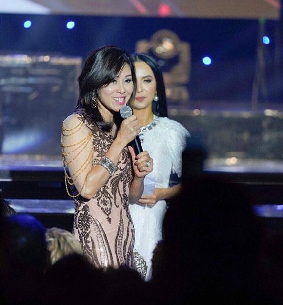 Hoa hậu doanh nhân Mai Thanh thu hút công chúng trên ghế giám khảo Hoa hậu Việt Nam toàn cầu tại Mỹ.
