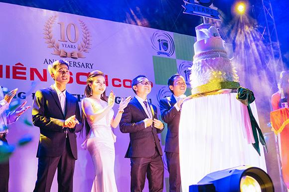 Á Hậu Doanh Nhân Phan Phương nổi bật, thân thiện tại sự kiện Sinh Nhật 10 năm thành lập Công ty Thiên Sơn