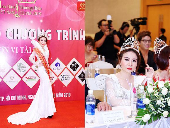 Á Hậu Phan Phương xinh đẹp rạng rỡ trong buổi họp báo Hoa Hậu Thương hiệu Việt Nam Olivia