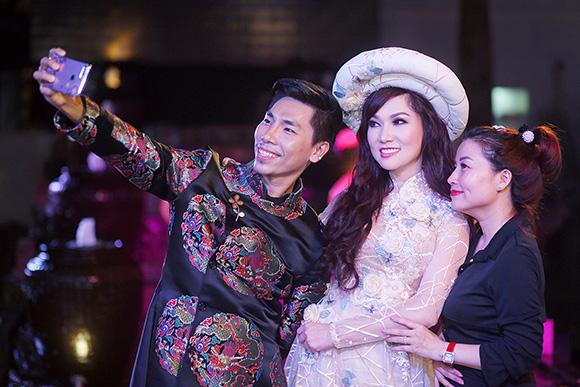 Ca sĩ Kavie Trần- nổi bật nhất tại show thời trang Lãnh Mỹ A- Báu vật ngàn năm.