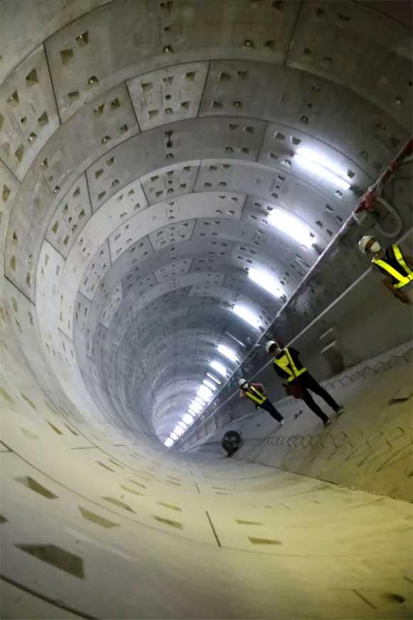 Ngỡ ngàng với hình ảnh dưới lòng đất giữa trung tâm TP HCM