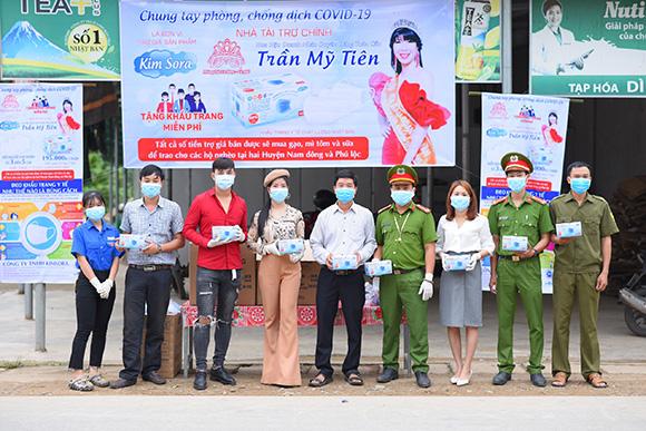 Bán khẩu trang được trợ giá, hoa hậu Trần Mỹ Tiên chi hơn 1 tỷ đồng mua lương yếu phẩm tặng bà con nghèo mùa dịch