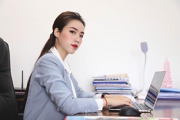 Cẩm Vân – Giám đốc kinh doanh Wesy Cosmetics trẻ đẹp bản lĩnh và tài năng