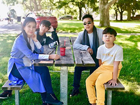 17 năm, hạnh phúc vàng son của ca sĩ Lưu Thiên Ân