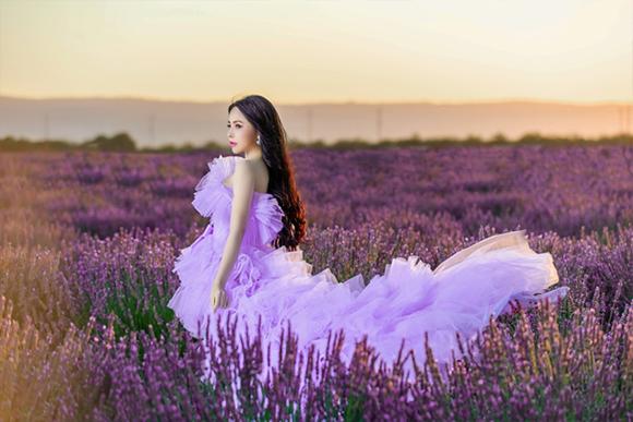 Diện váy bồng bềnh, hoa hậu Hạ My thu hút ánh nhìn giữa cánh đồng hoa Lavender