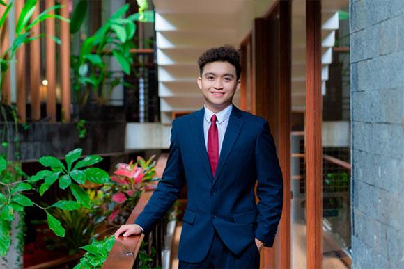 Chân dung giải đồng, thành viên Hội đồng Học sinh Danh dự bậc phổ thông trung học của Mỹ Nguyễn Đức Kiên