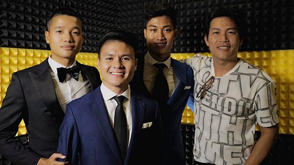 Tuyển thủ Việt Nam cùng thu âm sáng tác của Quách Beem ủng hộ đồng bào miền Trung