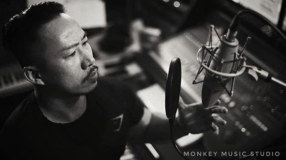 Ca nhạc sĩ Huỳnh Nhật Đông thu âm ủng hộ dự ám âm nhạc của em trai nhạc sĩ Quách Beem