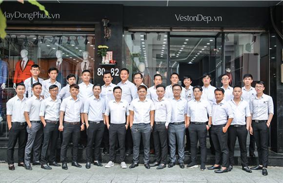 CEO MON AMIE - HÀNH TRÌNH KHỞI NGHIỆP TỪ NHÀ MAY GIA ĐÌNH